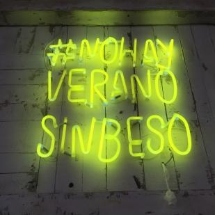 #nohayveranosinbeso