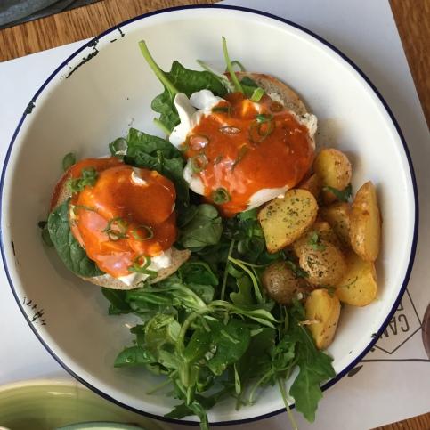 Huevos Benedict con ricotta