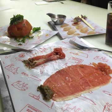 Chuletón cenital + Bonito crispy sushi + Tomate