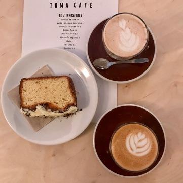 Chai Latte+Café Latte+Tarta Chocolate Blanco de Toma Café 2.